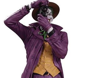 joker dc comics batman statue